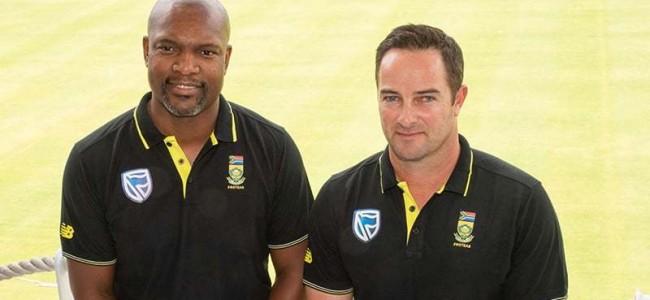 Boucher wants bowlers to ease pressure on SA batsmen