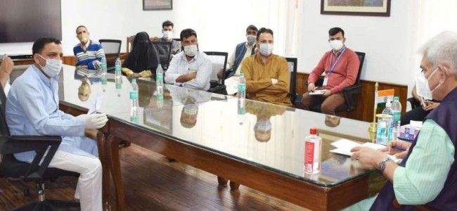 BDC Chairpersons, Political leaders from Shopian call on Lt Governor