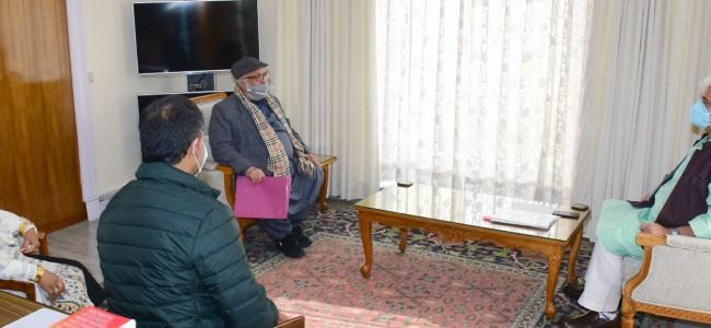 Chairman/CEC LAHDC Kargil, former Ministers, former Legislator, DDC member call on Lt Governor