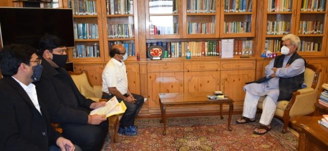 Several Public delegations call on Lt Governor at Srinagar