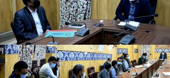 Ensure hassle free delivery of essential services during Lockdown: DC Anantnag