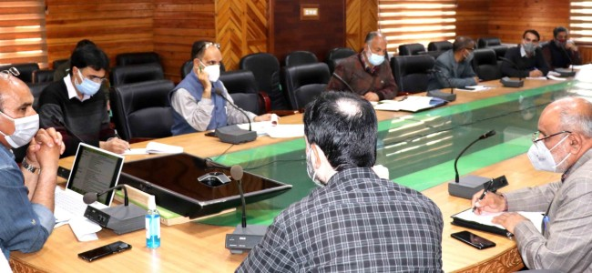 Director Agriculture Kashmir discusses strategies to be adopted for Kharief season