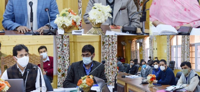 DC Bandipora interacts with Imams, Religious Heads