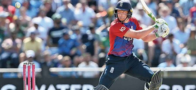 England beat Pakistan to seal a 45-run win in the second T20I and level the series at 1-1
