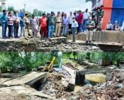 DC Kupwara takes stock of flood damage
