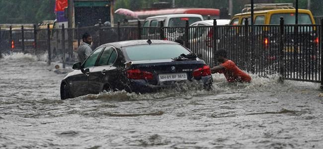 Heavy rain across Delhi-NCR leads to waterlogging, traffic jams