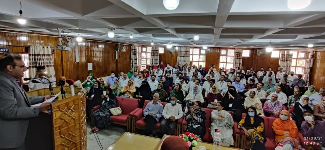 Two month training of Senior, Junior Assistants concludes at JK IMPARD Srinagar; DG chairs joint valedictory function