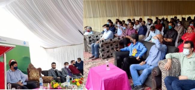 Continuing public outreach, Union MoS Jal Shakti interacts with Panchayat representatives, Paani Samiti members at Srinagar